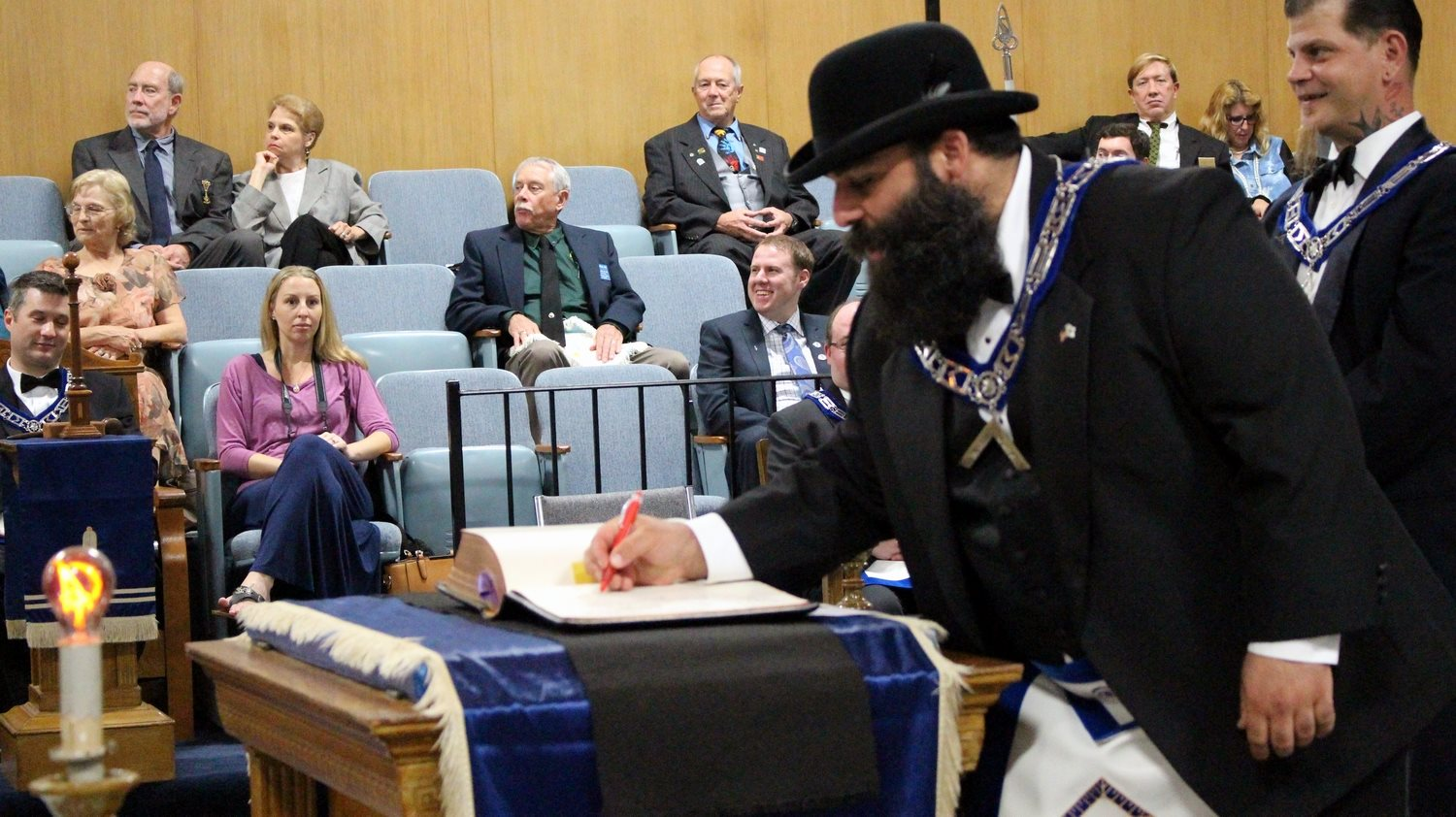 2016-Installation-WM-Signing-The-Bible