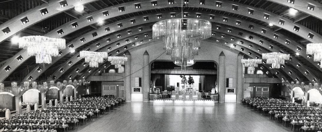 Vintage-Coliseum-Slider